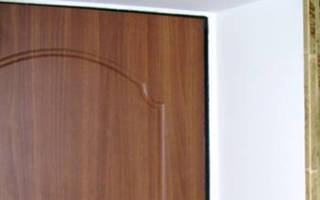 Чем лучше отделать откосы входной двери?