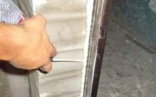 Как сделать откосы на железную входную дверь?