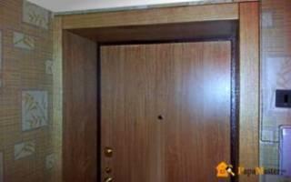 Как сделать откосы в ванной на дверь?