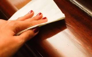 Как убрать старый лак с мебели?