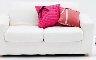 Как почистить обивку мягкой мебели?