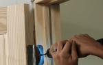 Как правильно запенить межкомнатные двери?