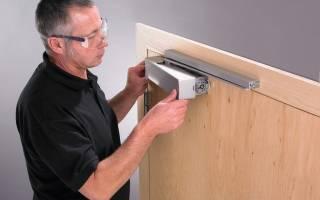 Как усилить доводчик двери?
