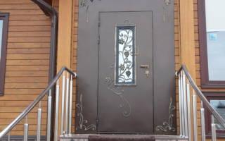 Почему собирается конденсат на входной двери?