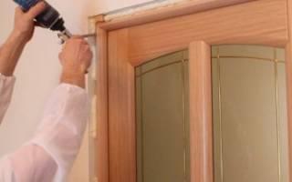 Как крепится дверная коробка межкомнатной двери?