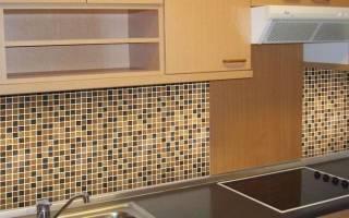 Как положить мозаику на фартук кухни?