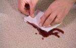 Как оттереть пятно крови с дивана?