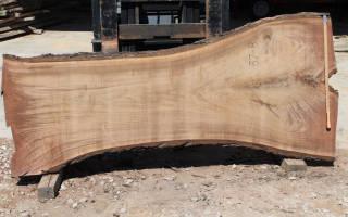 Чем заливают столы из спилов дерева?