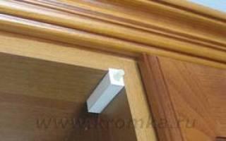 Как ставить доводчики на кухонный шкаф?