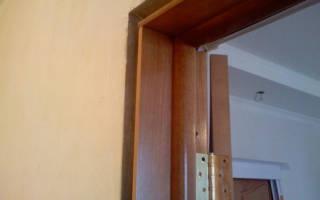 Как закрепить коробку межкомнатной двери?