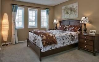Как правильно ставить изголовье кровати?