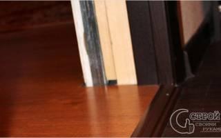 Как класть ламинат относительно двери?