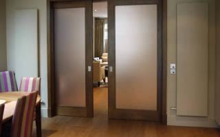 Как вытащить стекло из межкомнатной двери?